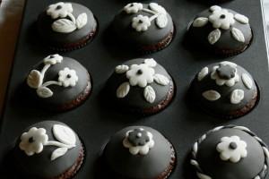 Šedobílé cupcakes podruhé