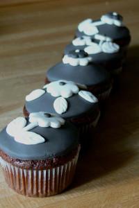 Šedobílé cupcakes