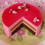 dort s třešňovou pěnou nařízlý