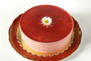 Piškotový dort s jahodovou pěnou