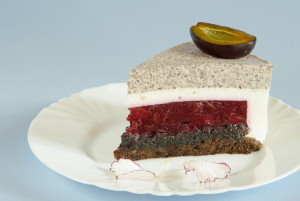 makový švestkový mousse cake