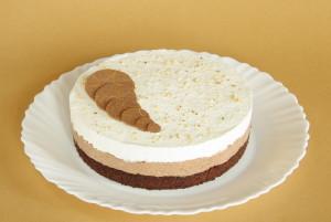 šlehačkový dort s oříšky